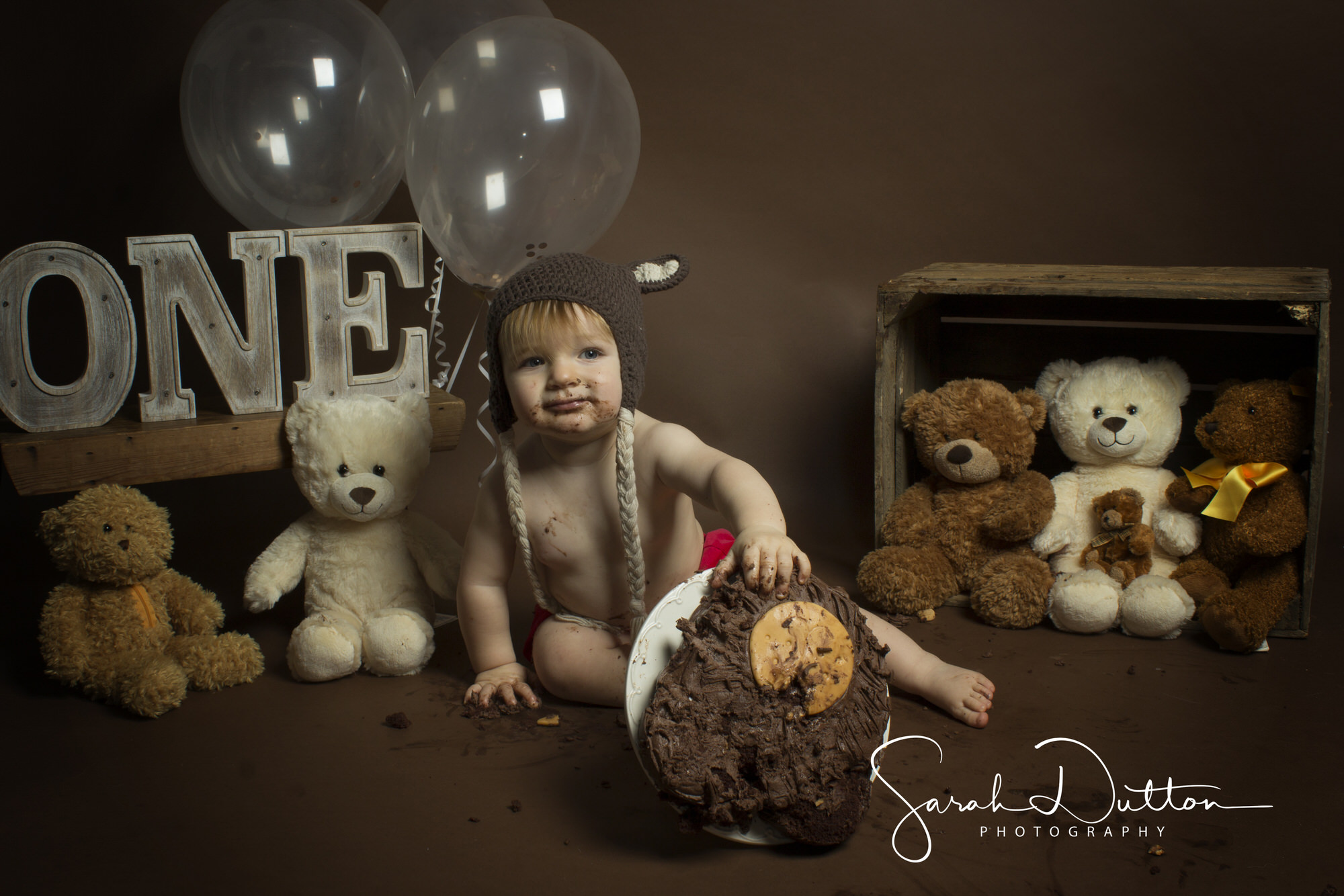 Cake Smash, Family and Baby Photography taken in the Photography studio in Whitchurch Hampshire