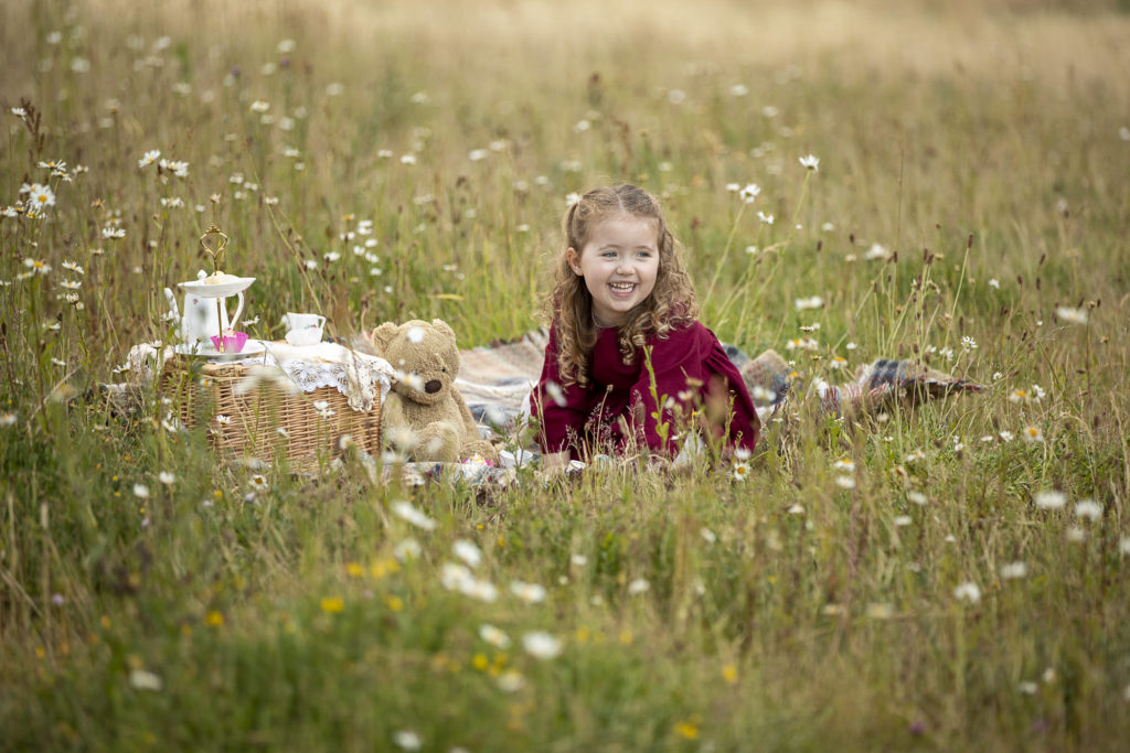 Newborn Baby and family Photography this made a lovely portrait, taken by an Outdoor Photographer, family photos, Photographer Whitchurch Hampshire